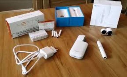 Использование кабеля и зарядного адаптера